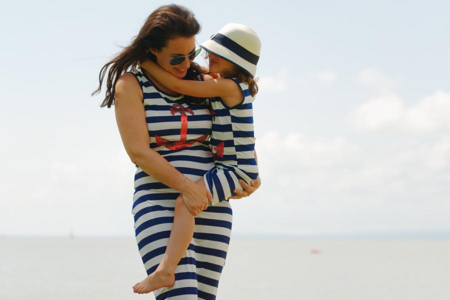 Mami-Tochter Shooting für Nikibeach mit viel Spaß und Summerfeeling