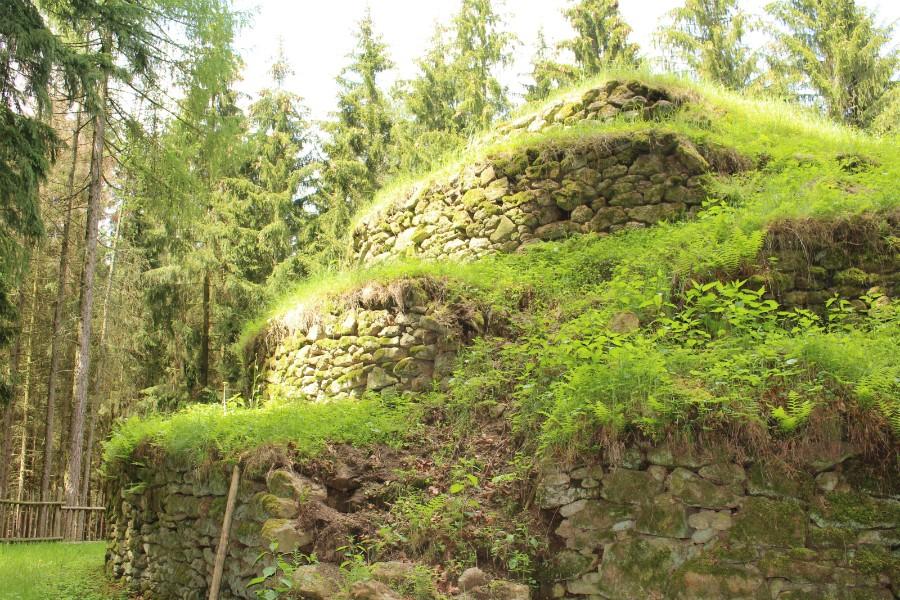 Steinpyramide3.jpg