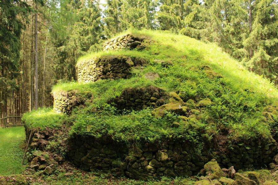 Steinpyramide4.jpg