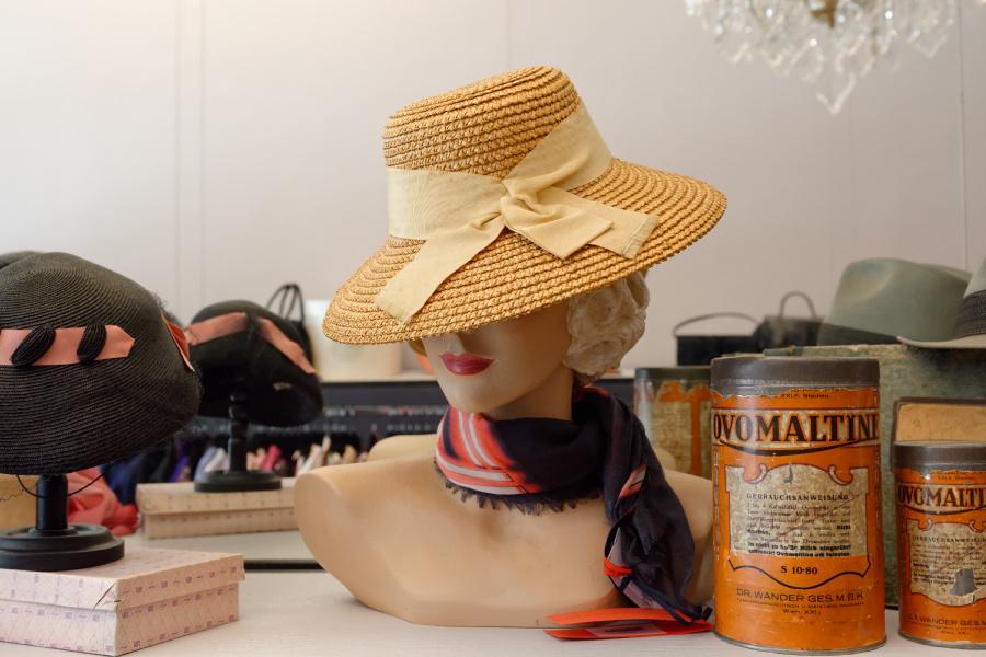 Zu Besuch bei Fräulein Kleidsam – Vintage Fashion deluxe <3